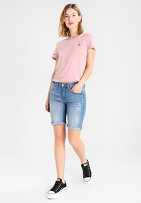 b.young - KATO LUXE - Jeansshorts - blue denim - 1