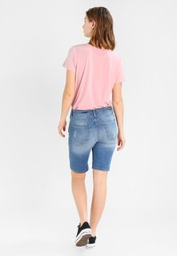 b.young - KATO LUXE - Jeansshorts - blue denim - 2
