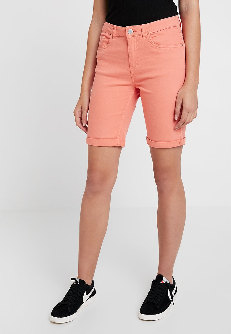 b.young - BYKATO BYLIKKE  - Shorts di jeans - fusion coral
