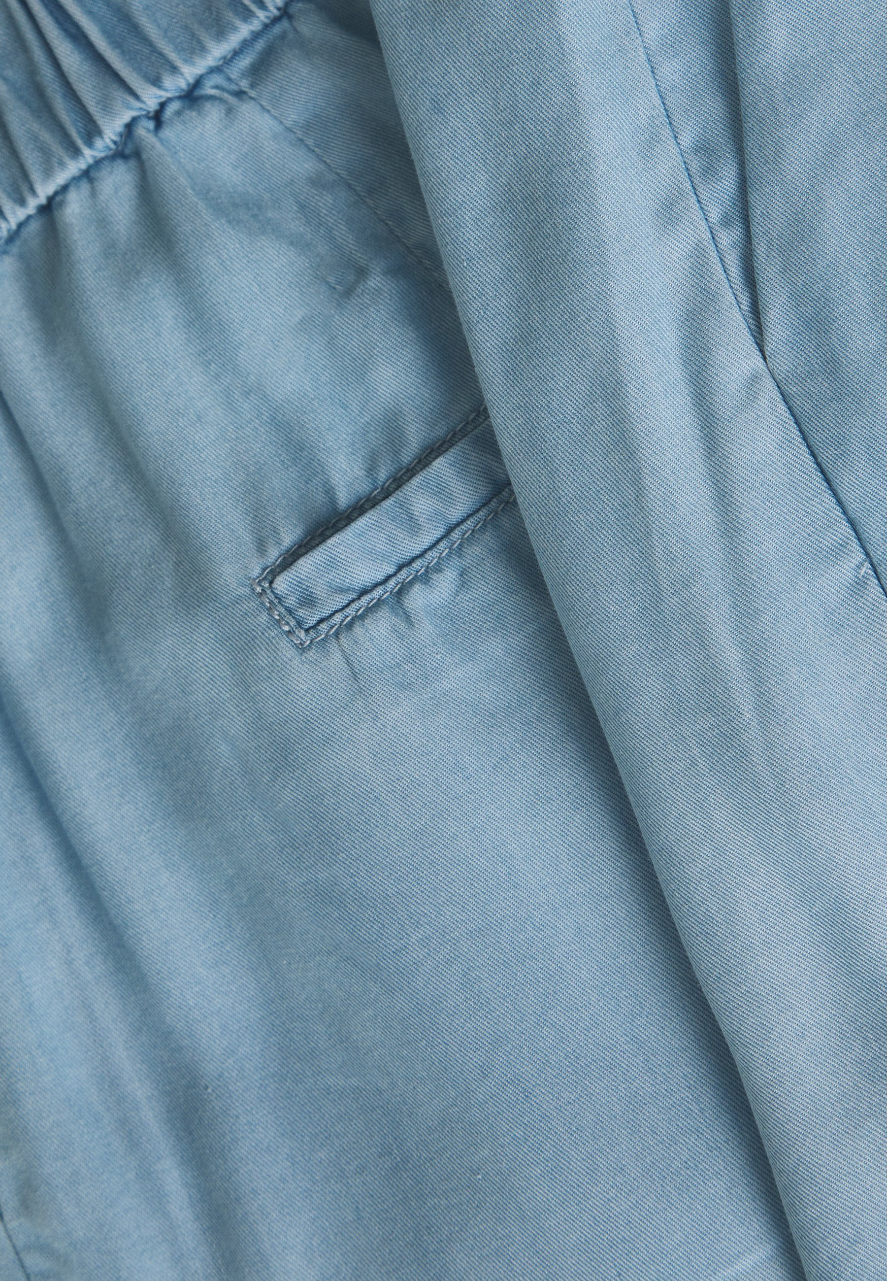 b.young BYHARIMO SHORTS - Szorty - chambray blue