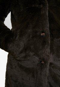 b.young - BYCOSMO COAT - Abrigo de invierno - peat green - 6