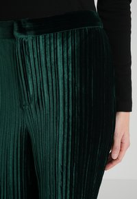 By Malina - GLORIA PANTS - Tygbyxor - pine green - 4