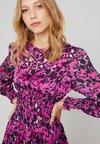 By Malina - Denní šaty - růžová