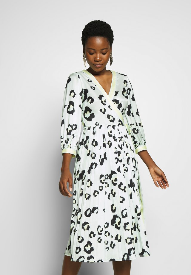 NOELIA DRESS - Robe d'été - leo aqua