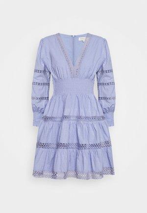 INEZ DRESS - Denní šaty - french lavender