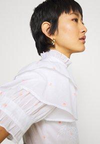 By Malina - IRO DRESS - Hverdagskjoler - white - 6