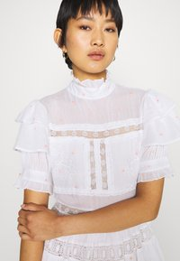 By Malina - IRO DRESS - Hverdagskjoler - white - 3
