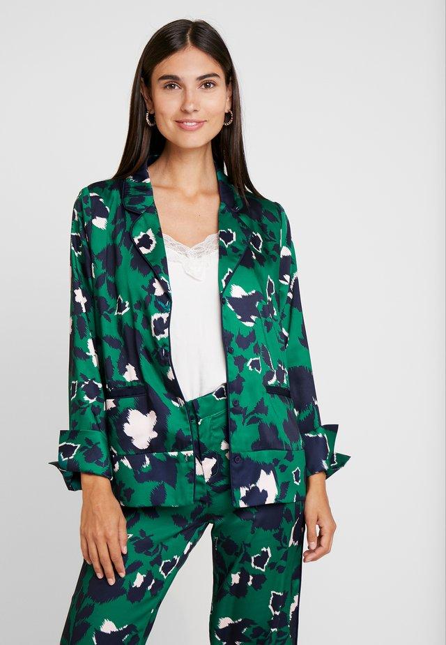 GIA SHIRT - Button-down blouse - shadow garden green