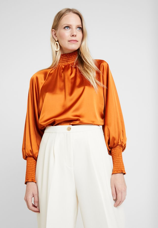 LIANA BLOUSE - Bluse - spiced honey