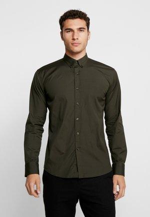 THE ORGANIC SHIRT - Shirt - dark green