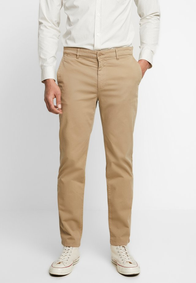 THE PANTS - Chinosy - khaki