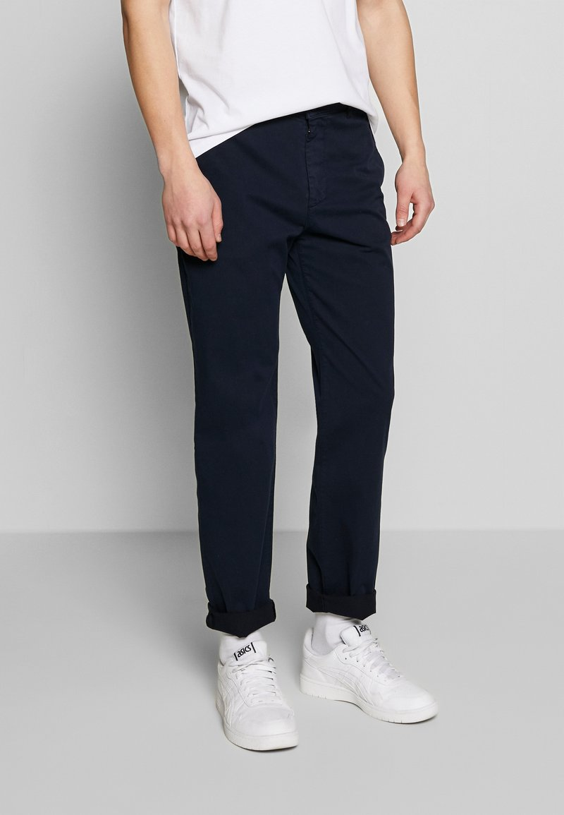 BY GARMENT MAKERS - THE PANTS - Chino kalhoty - navy blazer