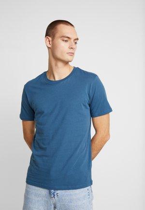 THE ORGANIC TEE BASIC - Basic T-shirt - petroleum blue