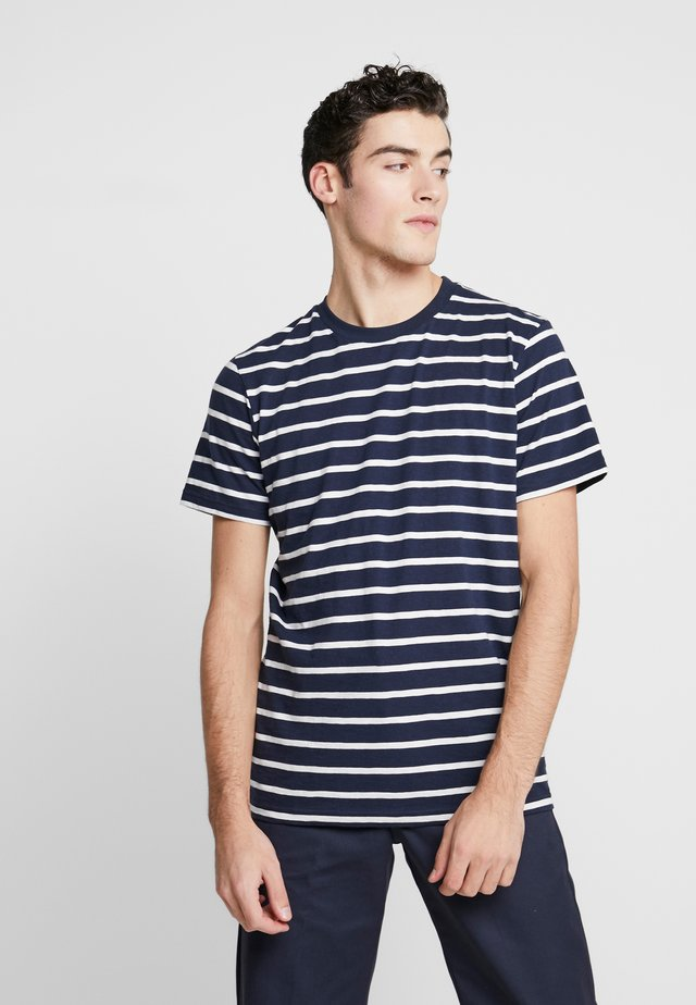 THE ORGANIC MULTISTRIPED TEE - T-shirt z nadrukiem - darkblue