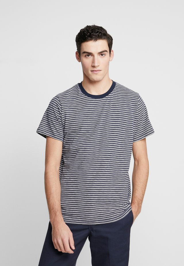 THE ORGANIC MULTISTRIPED TEE - T-Shirt print - blau