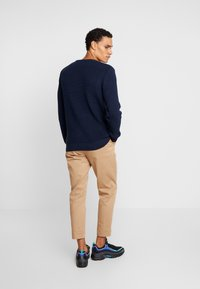 BY GARMENT MAKERS - THE ORGANIC - Strickpullover - dark blue - 2