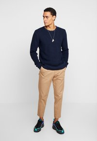 BY GARMENT MAKERS - THE ORGANIC - Strickpullover - dark blue - 1