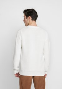 BY GARMENT MAKERS - THE ORGANIC PLAIN - Pullover - marshmallow - 2