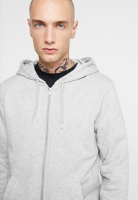 BY GARMENT MAKERS - THE ORGANIC HOODY - Mikina na zip - grey - 3