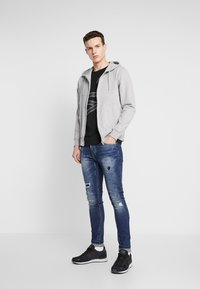 BY GARMENT MAKERS - THE ORGANIC HOODIE - Collegetakki - light grey - 1