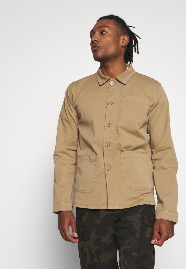 THE ORGANIC WORKWEAR JACKET - Tunn jacka - camel