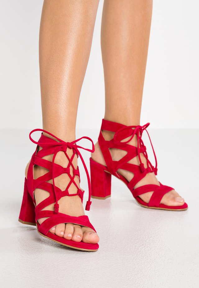 PORTU - Sandals - cen red