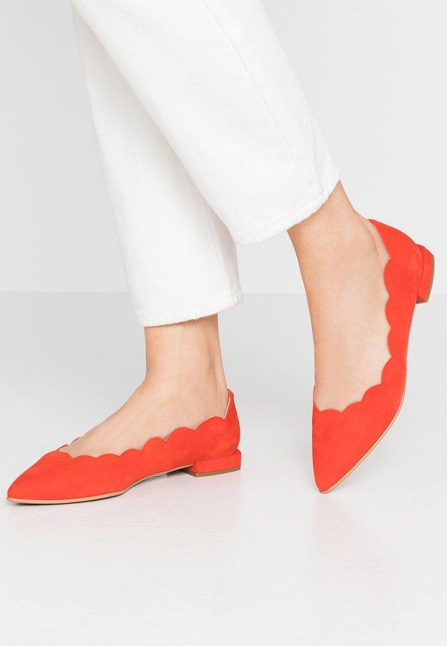 LUNA - Ballet pumps - red pop