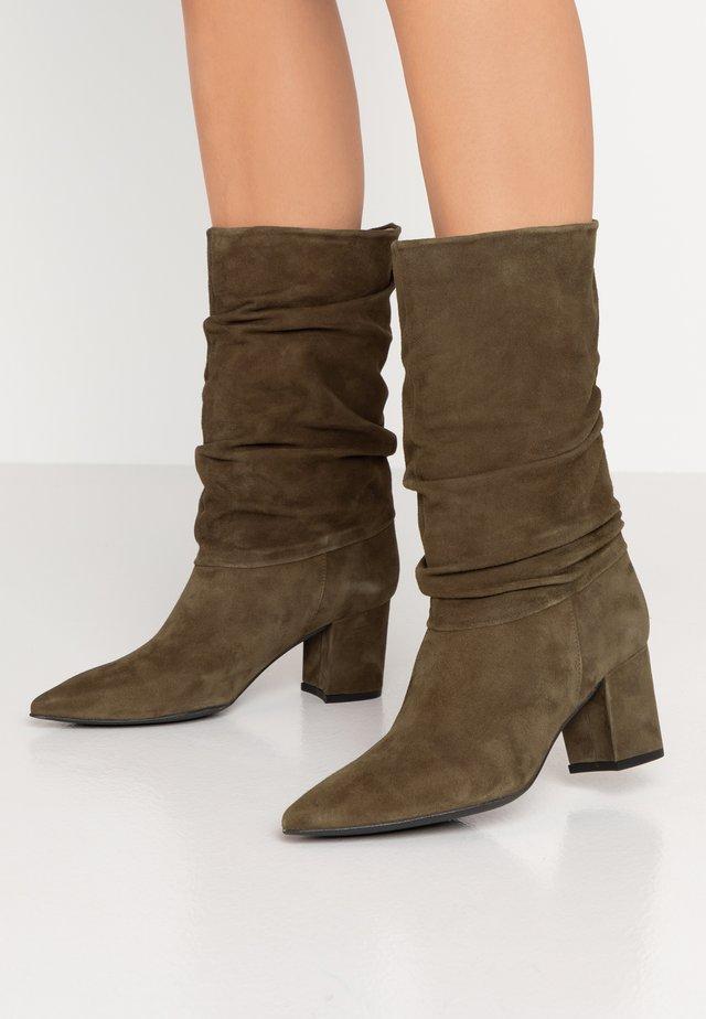 BENETBO - Boots - palma
