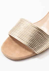 Brenda Zaro - ERICA NEW - Sandalias - platino matte/sand/camel - 2