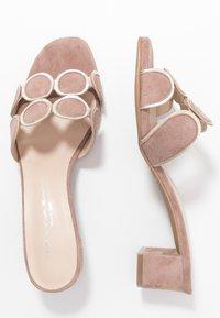 Brenda Zaro - ERIKA NEW - Pantofle na podpatku - make-up - 3