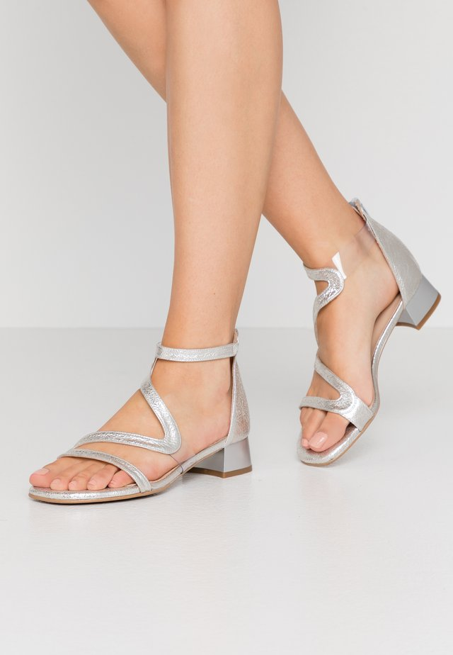 ZOE NEW - Sandals - vulcano plata