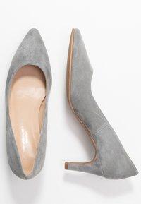Brenda Zaro - BENETT - Classic heels - siberia - 3