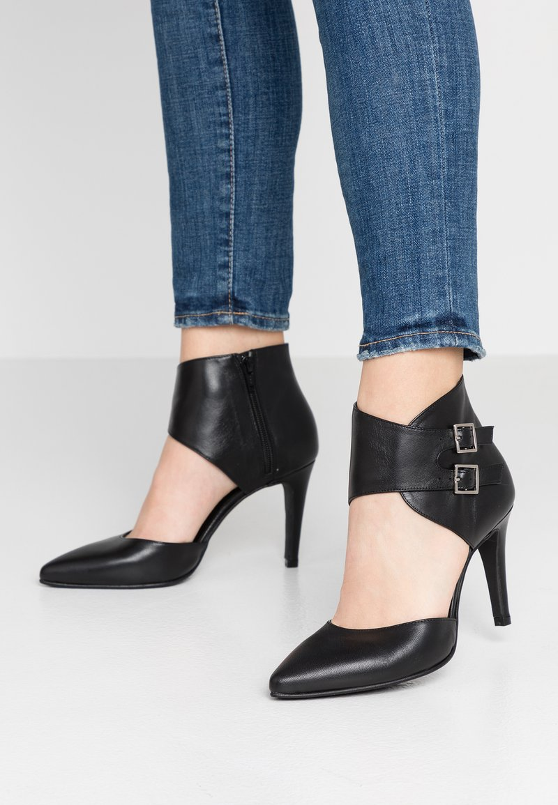 Brenda Zaro - DIAN - High heels - black