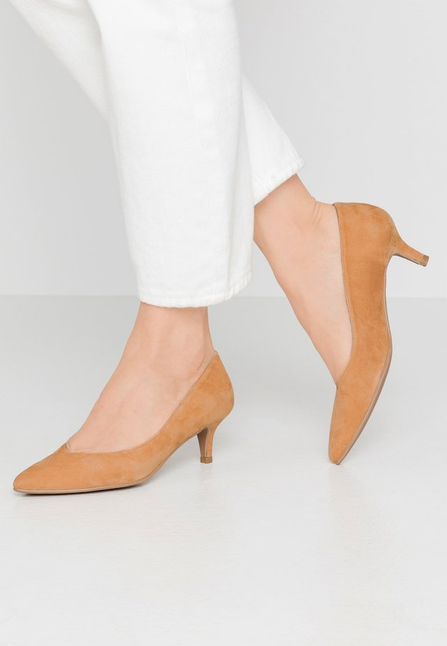 ELISA - Pumps - amalfi tan