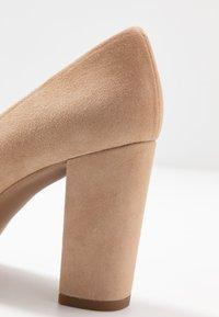 Brenda Zaro - BIBI - High heels - cen camel - 2