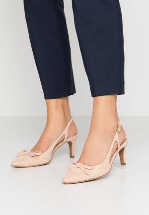 BENETT - Classic heels - pale