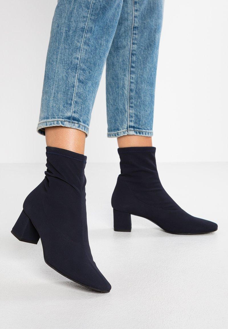 Brenda Zaro - REBECCA - Classic ankle boots - marine