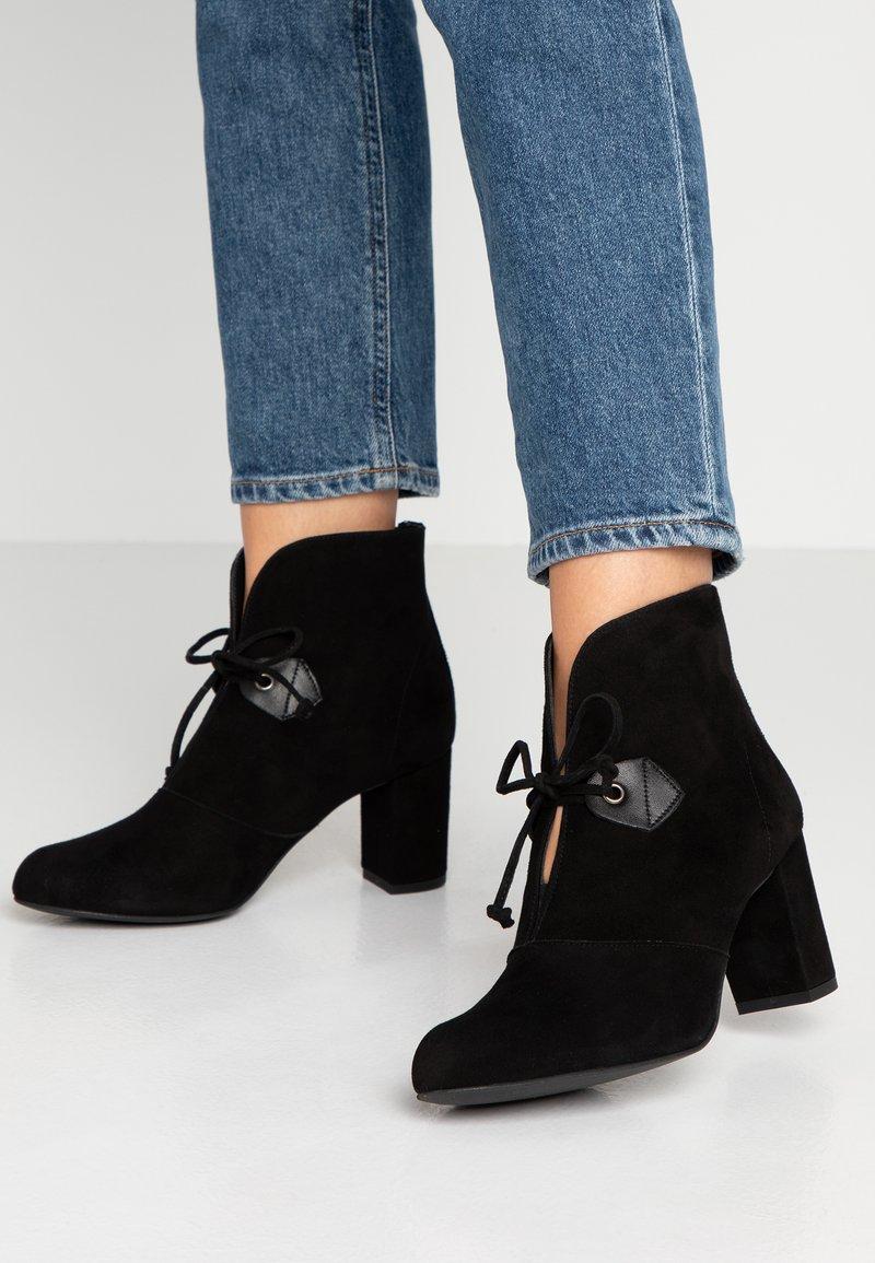 Brenda Zaro - LIDIA - Ankle boots - black