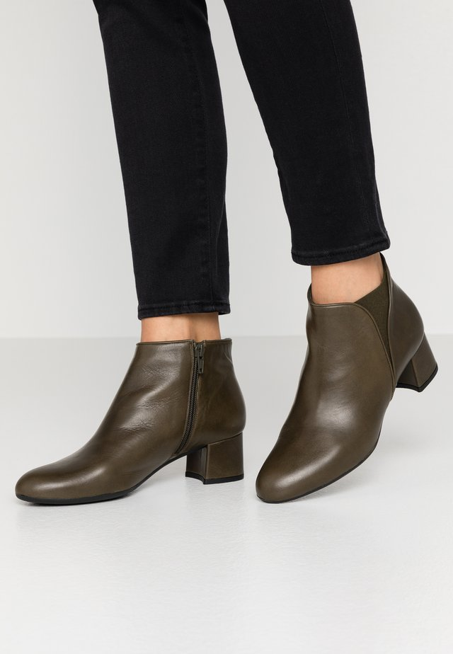 LAGOPAT - Ankle boots - dylan militar