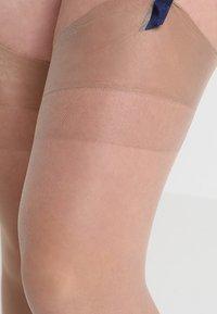 BlueBella - PLAIN LEG PLAIN TOPPED STOCKINGS - Ylipolvensukat - nude - 2