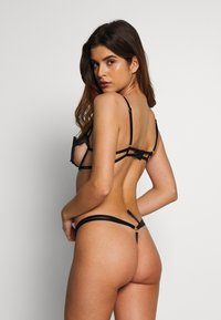 BlueBella - HADDESSA THONG - String - black - 2