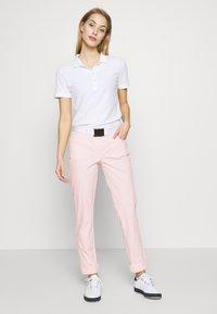 Colmar - CROSBY PANT - Kalhoty - barley pink - 1