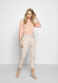 Cartoon - Trousers - pastel sand - 1