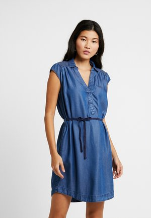 UNGEFÜTTERT KURZ - Denim dress - middle blue denim