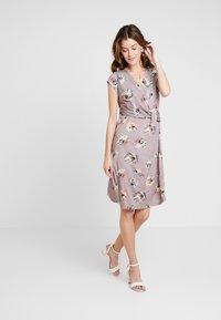 Cartoon - Jersey dress - taupe/green - 1