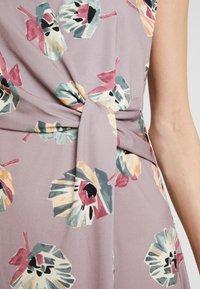 Cartoon - Jersey dress - taupe/green - 5