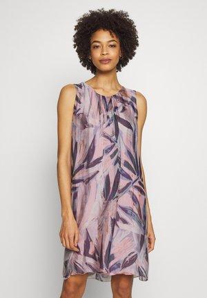 KLEID KURZ - Vestido informal - purple/rosé