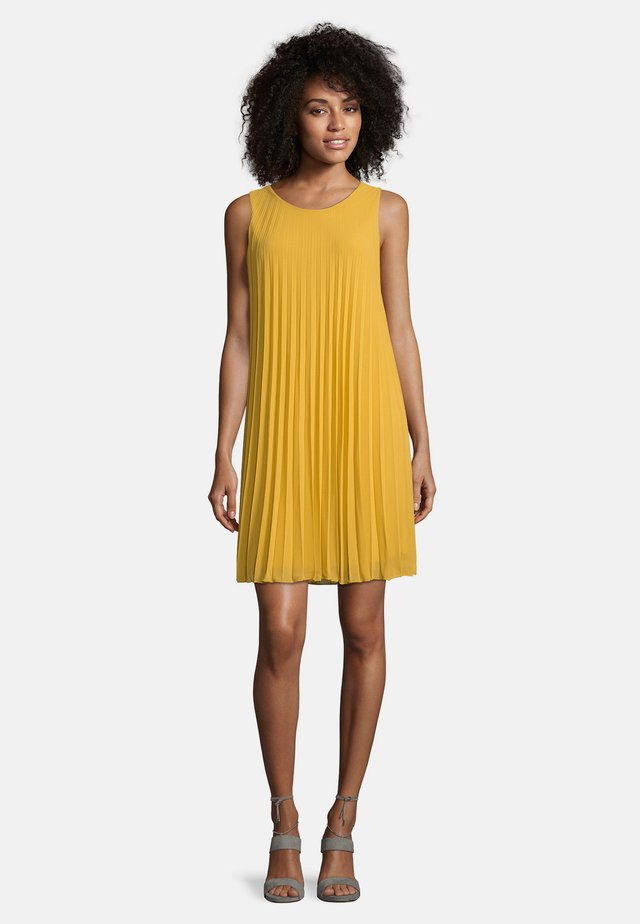 Day dress - golden rod
