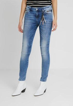 Slim fit jeans - middle/blue/denim