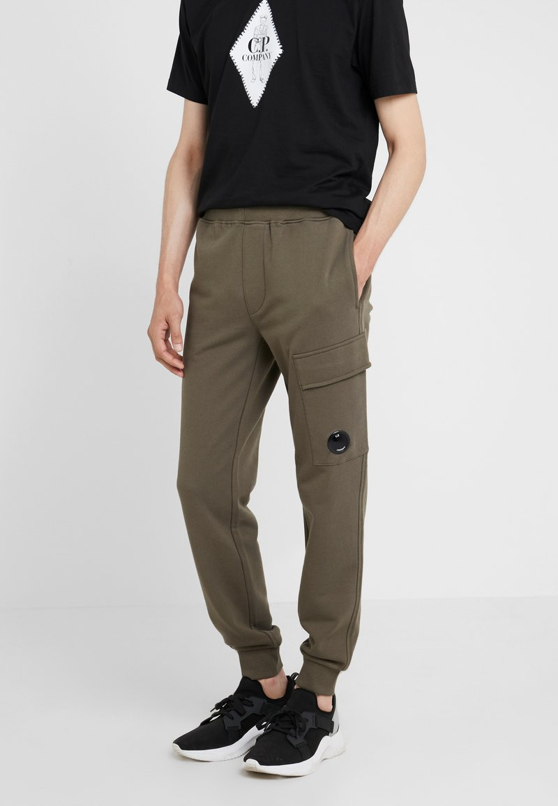 C.P. Company - PANT - Pantalones deportivos - olive